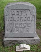 Baptist Cemetery V-W-Y - Plymouth Historical Museum - doty_holbrook_pierce_white_tomb